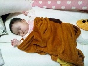 160201_泣き疲れて寝てる (300x225).jpg