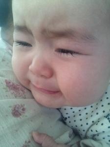 後ろに倒れてガン泣き1 (225x300).jpg