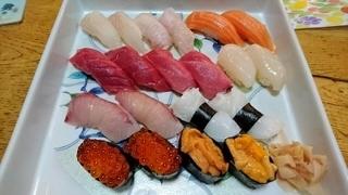 美味しいお寿司 (400x225).jpg